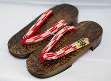 [Japan Made] Geta Paulownia Wood Traditional Sandals Yagasuri Design 6839