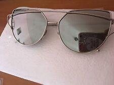 0d7cd1cb53 Occhiali da sole da donna specchio con montatura in grigio e lenti ...