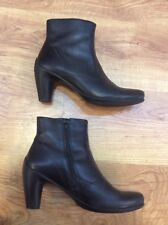 LADIES Stylish ECCO Black Soft Leather WOMENS ANKLE BOOTS SHOES Size 41 (UK 8.5)