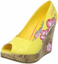 NEW Womens Ed Hardy Coralie Pumps Heels Yellow Flower Shoes *Size 5* 11SCO104W
