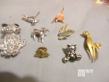 Lot of 8- Vintage Ladies Pins,rhinestones' Pearls-frog-horse-bird-be e-lamb-Bear