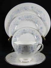 WEDGWOOD CHINA 5pc PLACE SETTING Blue/White BELLE FLEUR