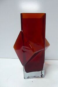 PABLO #1138 RED ART GLASS VASE MID CENTURY BY RIIHIMAKI FINLAND