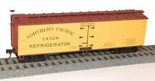 NIB HO Accurail #4904 40' Early Wood Reefer Northern Pacific #14328 Kit