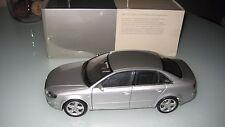 Audi A4 Limousine 3.2 Quattro Silber 1:18 Minichamps OVP
