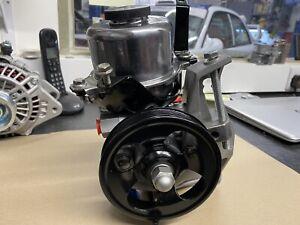subaru impreza Classic power steering pump