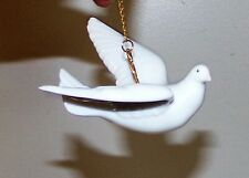 Lladro Landing Dove Porcelain Figurine Ornament mid 1990's #155 Daisa