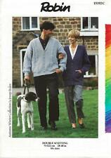 """RO15192 LADIES / MENS DK CABLED CARDIGANS KNITTING PATTERN 28-48""""/71-122cm"""