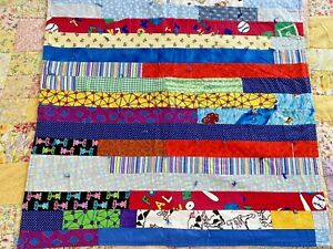 """Super Cute VINTAGE Handmade Scrappy QUILT 31"""" x 30"""" kids wall or lap #620"""