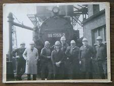 altes Foto Arbeiter vor Lokomotive 991759-2 Eisenbahn Dampflok um 1970 DDR