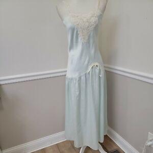 Vintage Victoria's Secret gold label M Aquamarine Liquid satin nightgown Lace