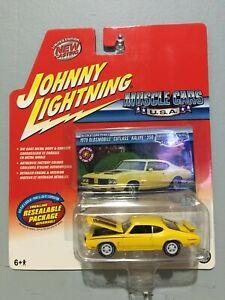 "Johnny Lightning Muscle Cars USA ""White Lightning"" 1970 Olds Cutlass Rallye 350"