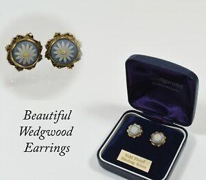 Beautiful Pair of Wedgwood Tricolour Jasper Daisy Sterling Silver Earrings
