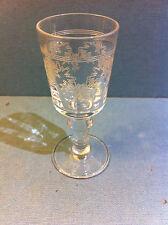 Superbe verre à liqueur en cristal gravé 19ème - Baccarat