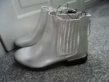 PRIMARK - Gorgeous Matt Sliver Gusset Side Chelsea Flat Ankle Boots Size 3 bnwts