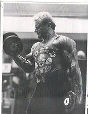 bodybuilder DAVE DRAPER World Gym Workout Bodybuilding Muscle Photo B&W