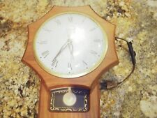 VINTAGE UNITED CLOCK WITH PENDULUM MODEL No. 59 GREAT WORKING COND NO RESERVE