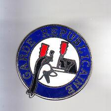 RARE PINS PIN'S .. GENDARMERIE GR GARDE REPUBLICAINE CASQUE KEPI ARGENT ~CN