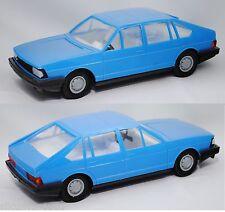 Anker Spielzeug 18234111 Audi 100 Avant L mit Friktionsmotor 1:25