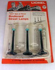 LIONEL POSTWAR VERY RARE B76 STREET LAMPS w/ AQUA COLLAR IN OPENED BLISTER PACK