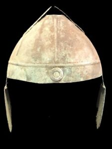 RARE ANCIENT GREEK STYLE IRON MILITARY HELMET. (2)