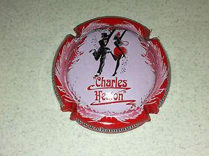 Capsule de champagne SIX COTEAUX (23b. contour rouge)