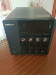 QNAP TS-453 PRO 4 Gb di RAM SENZA HDD
