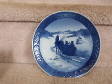 "1964 ""Fetching The Christmas Tree"" Royal Copenhagen Christmas Plate Excellent!"