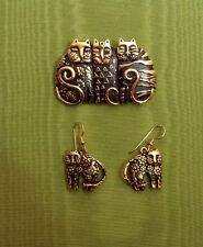 LAUREL BURCH Rare 1993 Three CATS Pin &  Matching earrings Antique Gold Black