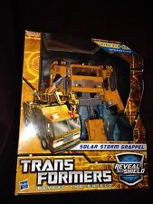 Transformers Reveal the Shield Solar Storm Grapple G1 Grappel Classics Voyager