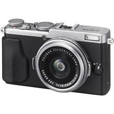 Fujifilm Fuji X70 Digital Camera - Silver (UK Stock) BNIB
