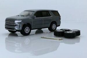 2021 Chevy Tahoe High Country SUV & Spare Tires, Silver 1:64 Scale Diecast Model