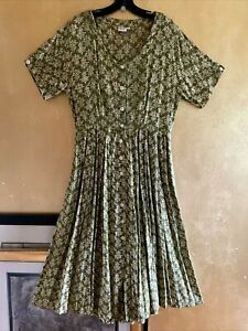 Vintage White Rice Olive Scroll Print Summer Cottage Rayon Button Dress M