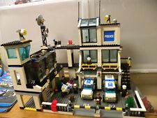 LEGO CITY POLICE 7744 STAZIONE DI POLIZIA COMPLETO 2008 FUORI PRODUZIONE
