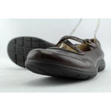 Zapatos de tacón de mujer de tacón bajo (menos de 2,5 cm) de color principal marrón