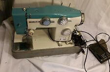 VINTAGE WHITE HEAVY DUTY ZIG ZAG SEWING MACHINE MODEL 782 manual acessories work