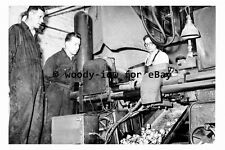 pt9198 - Doncaster - Peglers Factory , Men at work - photograph