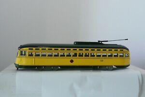 TWIN CITY LINES PCC CAR #319(TO ST PAUL)    ** CORGI DIE CAST MODEL
