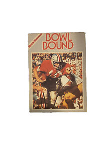 Sports Illustrated Bowl Bound: The Game of College Football, LIGHTLY USED