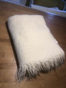 Crate and Barrel Brush Throw Acrylic Blend Blanket 70 X 43 White