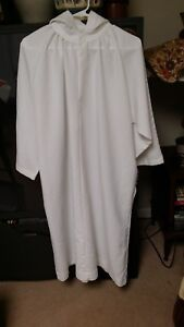 YOUTH CHURCH SERVER ALB WHITE W/HOOD ABBEY BRAND YOUTH SIZE 10 POLYESTER