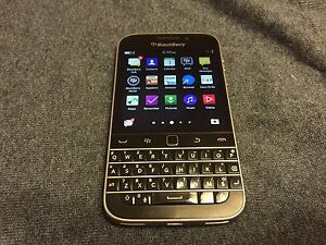 BLACKBERRY CLASSIC Q20 - 16GB - + (Unlocked) -- GOOD DEAL !!!