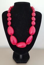 COSTUME JEWELLERY Chunky Red Plastic Oval Knotted Statement Choker Necklace