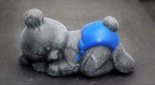 Steinfigur Teddybär schlafend - Kindergrab Deko Figur Stein Frostsicher