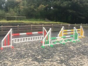 SET OF 3 HORSE SHOW JUMPS WITH POLES RED YELLOW GREEN