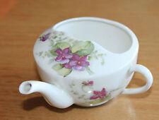 canard ou biberon de malade ancien en faïence décorée de fleurs des violettes