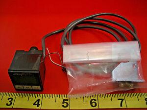 Omron E8F2-DN0C Pressure Sensor 12-24vdc E8F2DN0C 5-wire used