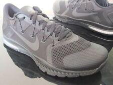 Zapatillas de deporte negros Nike de goma