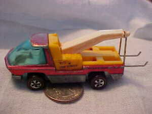 Hot Wheels Redline 1969 The Heavyweights Red Tow Truck Red Good!