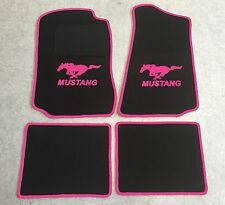 Fußmatten Autoteppiche für Ford Mustang 1994-2004 schwarz/pink 4tlg Velours Neu